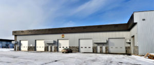 Construction d'un entrepôt commerciale vue garage