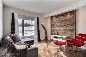 Maison unifamiliale St-Nicolas salon mur accent bois
